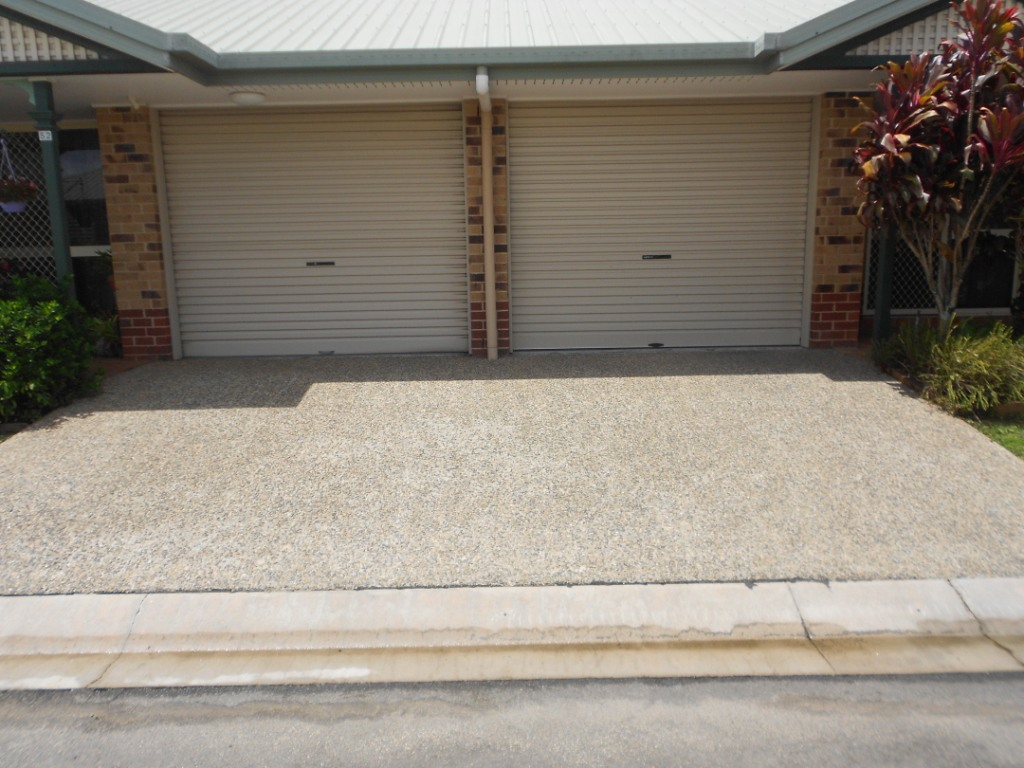 cairns driveway pressure cleaning