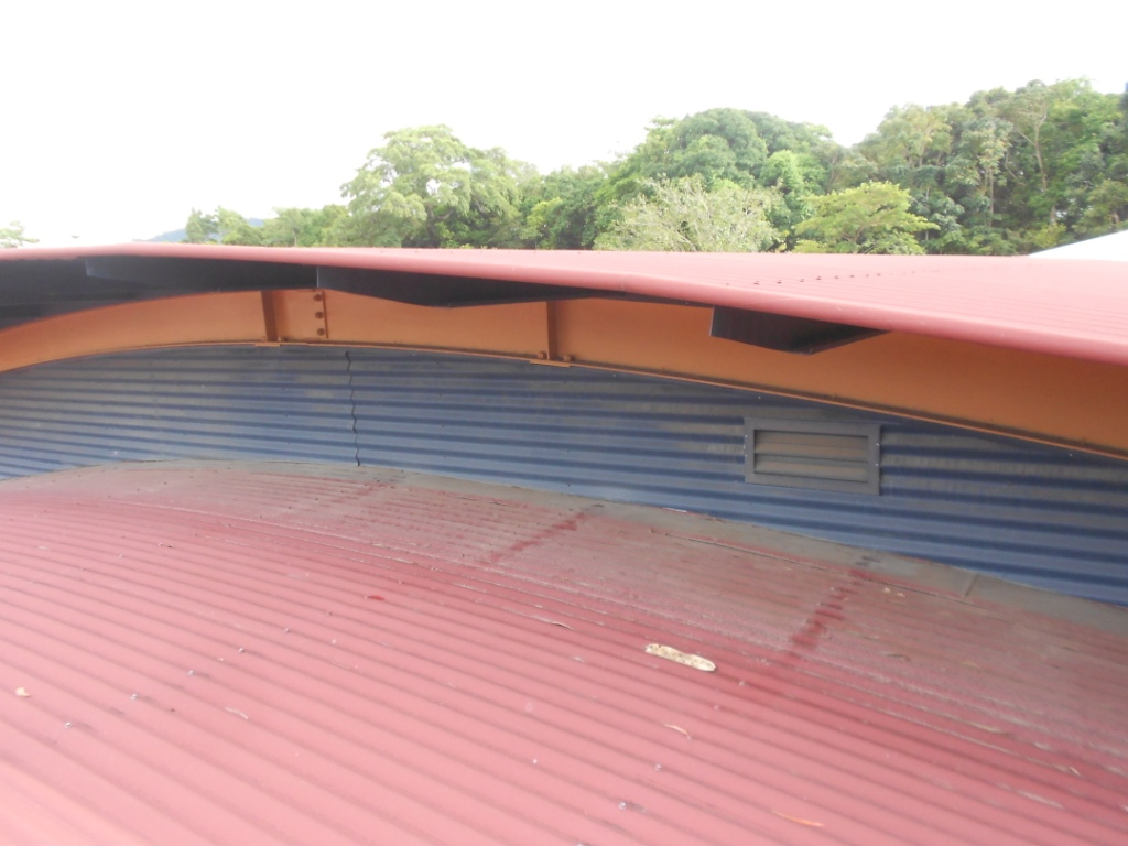 commercial roof cleaning cairns