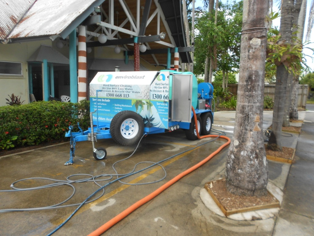 Pressure Cleaning resorts Cairns