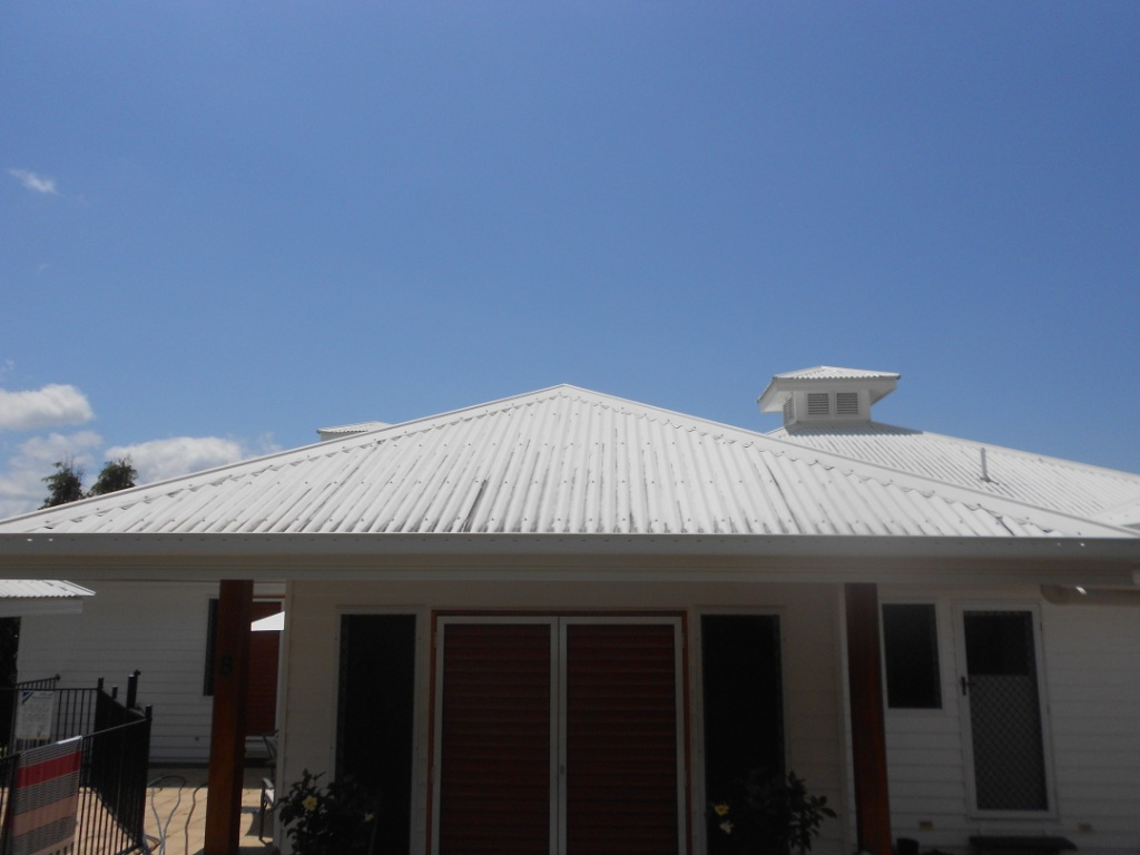 Cairns residential roof pressure cleaning
